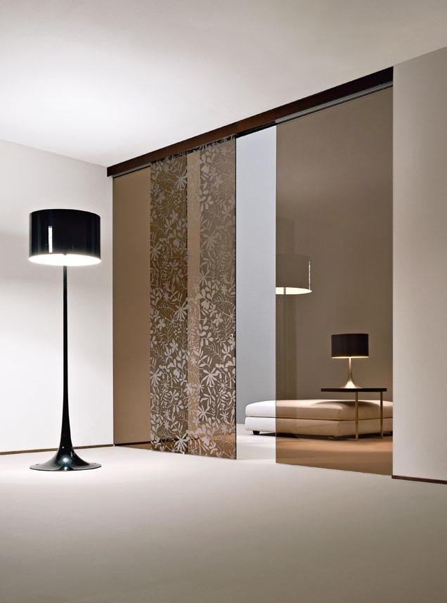 Porta in vetro scorrevole esterno muro bronzo   Serramenti Tomasini